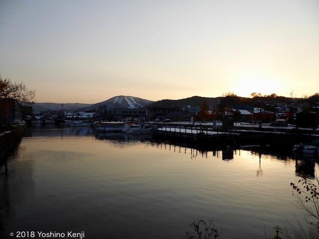 小樽運河と夕焼けと